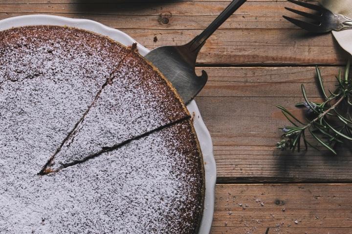 Gâteau moelleux au miel, aux noix et à la farine de châtaigne (sansgluten)
