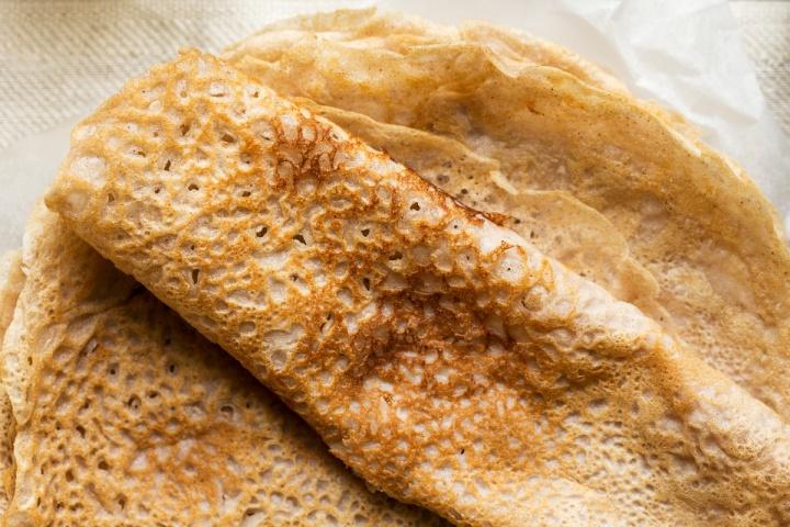 Crêpes à la farine de châtaigne et au lait deriz