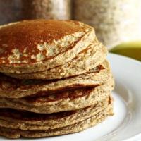 Pancakes à la banane et à la farine de sarrasin (sans lait, sans gluten)