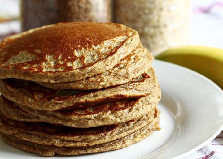 Pancakes à la banane et à la farine de sarrasin (sans lait, sansgluten)