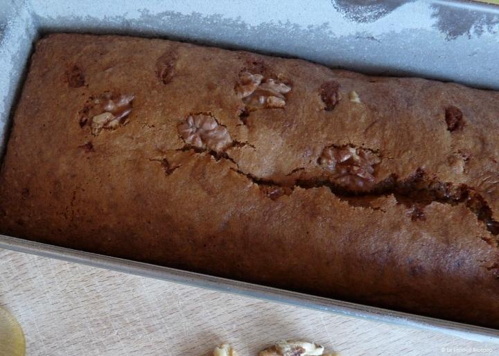 Cake aux noix, aux écorces d'oranges confites et à l'huiled'olive