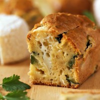 Cake à la farine de châtaigne, au fromage de brebis et à la coppa