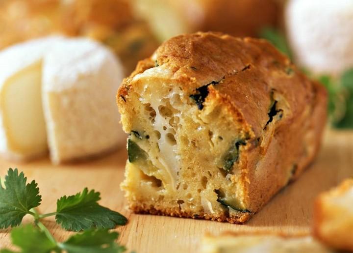 Cake à la farine de châtaigne, au fromage de brebis et à lacoppa