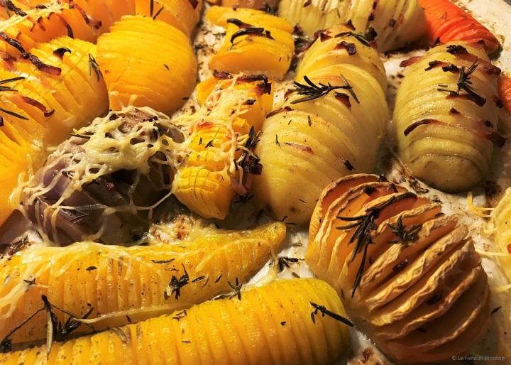 Légumes anciens «hasselback» aubacon