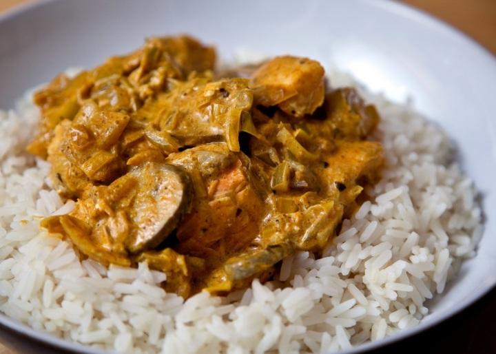Korma, ragoût au curry et au lait decoco