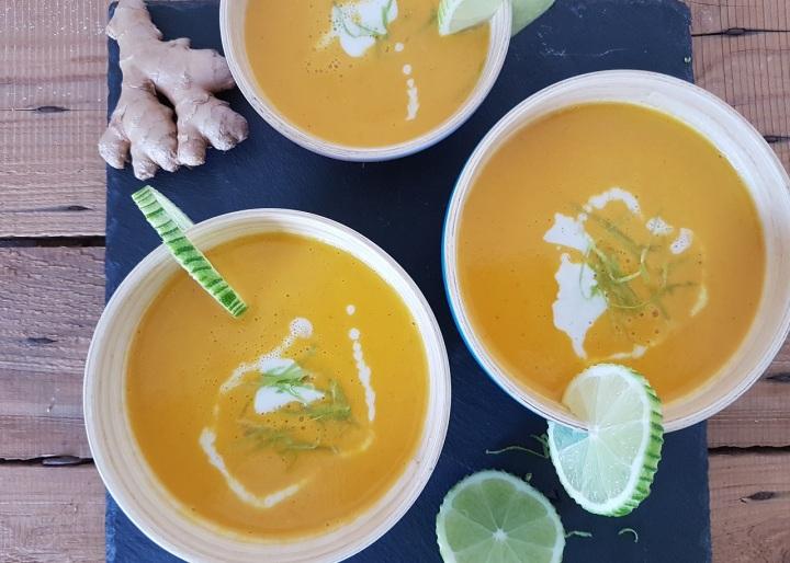 Soupe de potimarron, gingembre, lait de coco et citronvert