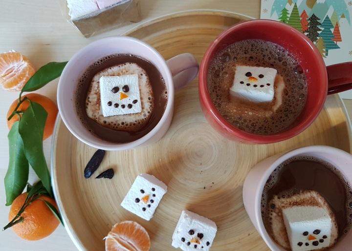 Chocolat chaud parfumé à la fève tonka (sanslait)