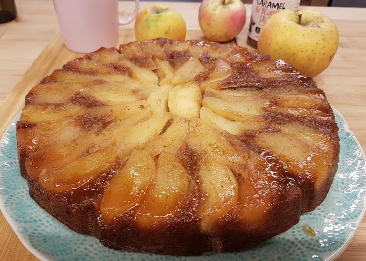 Gâteau tatin aux pommes, sarrasin et caramel beurresalé