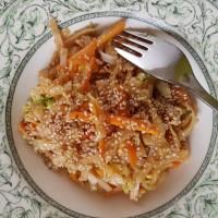 Mie goreng, nouilles sautées aux petits légumes (sans gluten)