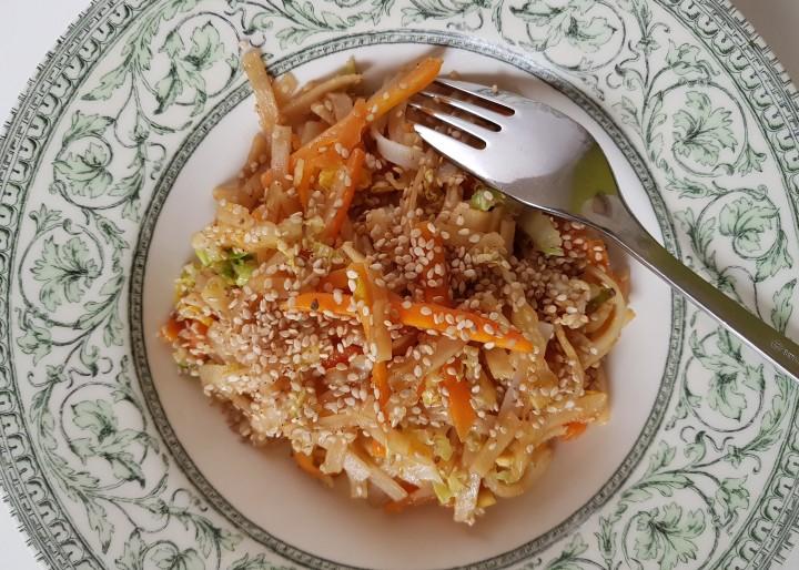 Mie goreng, nouilles sautées aux petits légumes (sansgluten)
